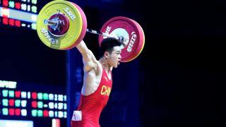 打破世界纪录!中国举重选手石智勇成历史第一人