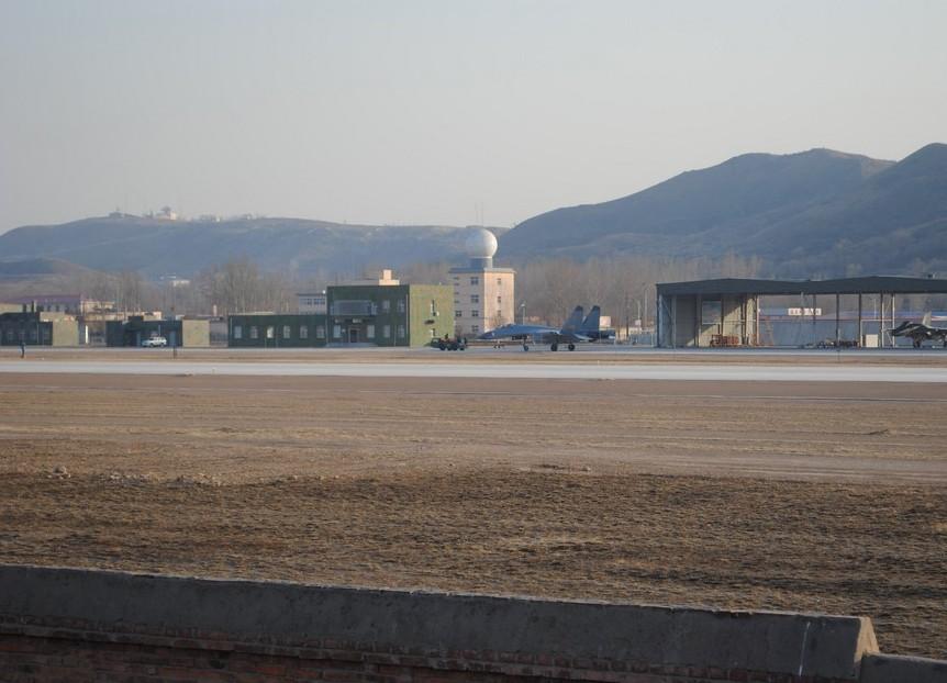 解放军大量装备有源相控阵雷达的歼11在辽西部署_图1-10