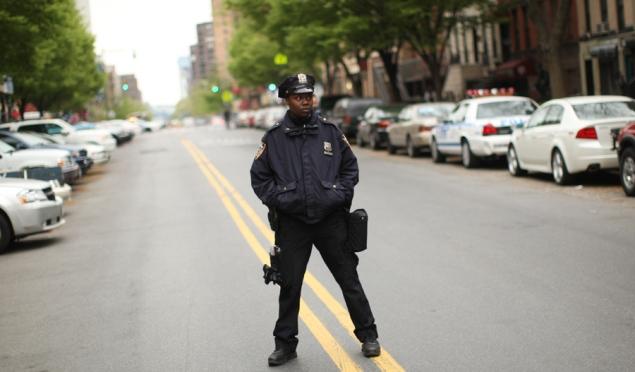 纽约客的无奈:自由还是安全重要_图1-1