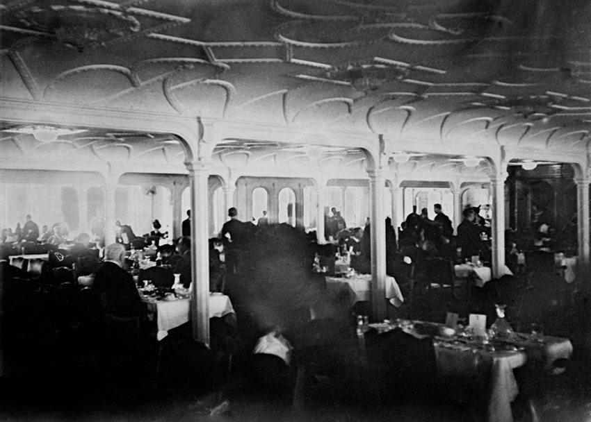 """绝版照:沉没前的""""泰坦尼克""""_图1-10"""