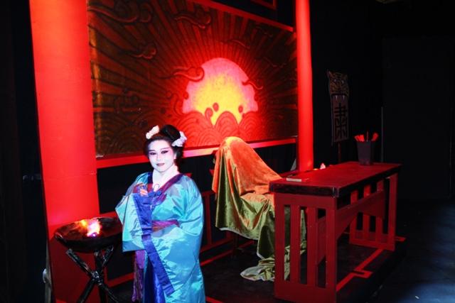 挑战外百老汇:中国历史名剧《灰阑记》在纽约双语上演_图1-11