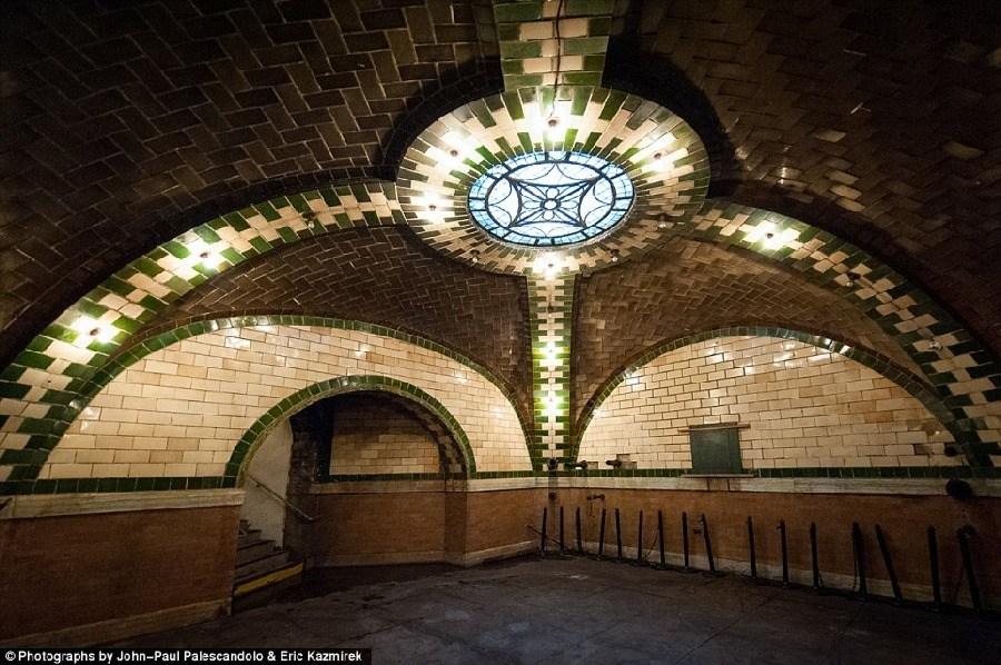 美轮美奂,纽约废弃的地铁站_图1-4