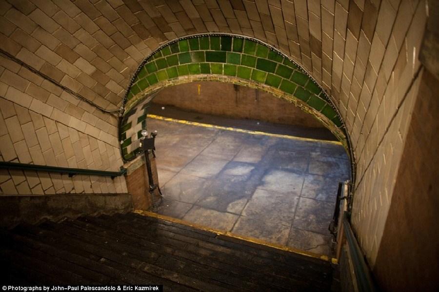 美轮美奂,纽约废弃的地铁站_图1-6