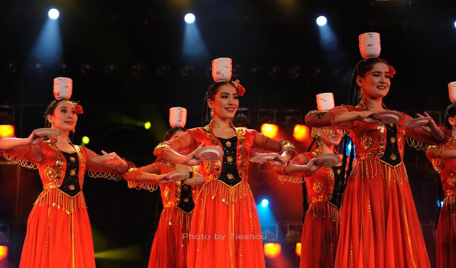 大美新疆——绚丽多姿热情奔放的新疆歌舞[原创]_图1-4