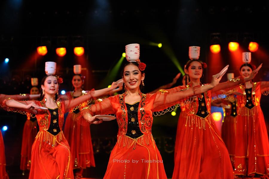 大美新疆——绚丽多姿热情奔放的新疆歌舞[原创]_图1-6