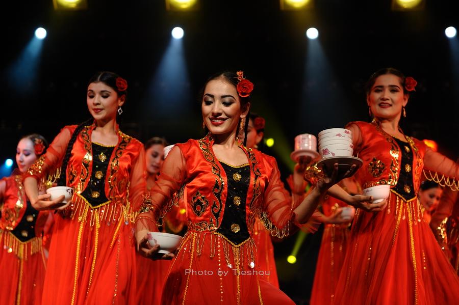 大美新疆——绚丽多姿热情奔放的新疆歌舞[原创]_图1-8