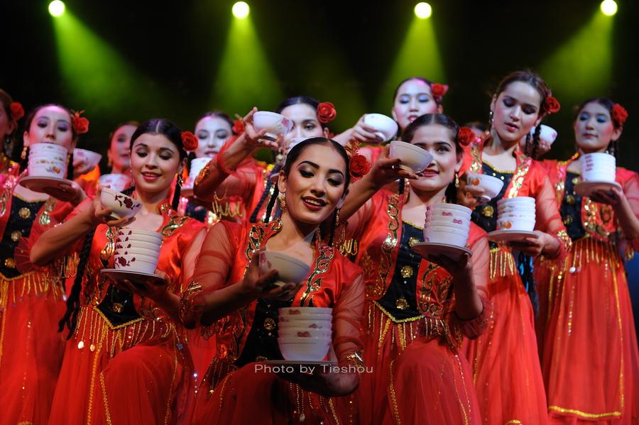 大美新疆——绚丽多姿热情奔放的新疆歌舞[原创]_图1-9