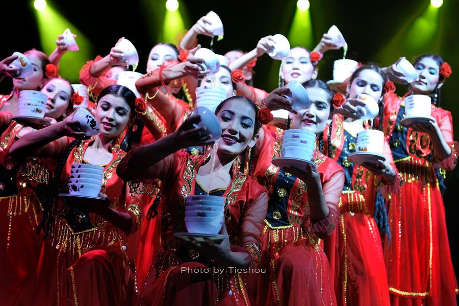 大美新疆——绚丽多姿热情奔放的新疆歌舞[原创]_图1-10