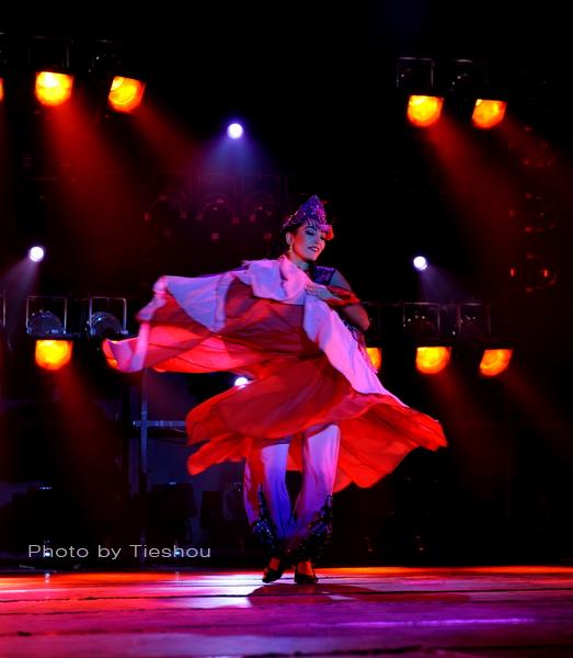 大美新疆——绚丽多姿热情奔放的新疆歌舞[原创]_图1-20