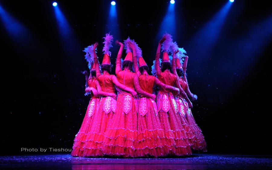 大美新疆——绚丽多姿热情奔放的新疆歌舞[原创]_图1-24