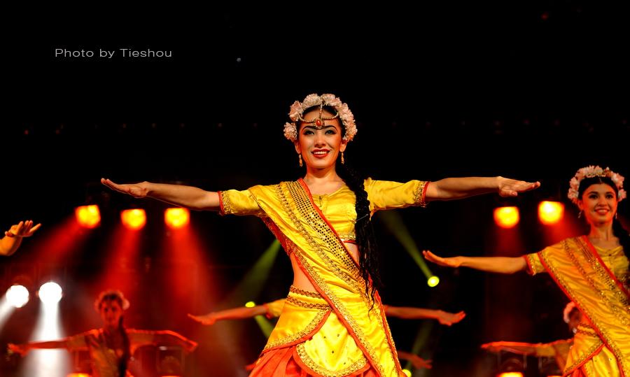 大美新疆——绚丽多姿热情奔放的新疆歌舞[原创]_图1-25