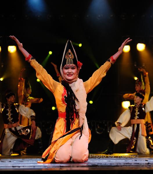 大美新疆——绚丽多姿热情奔放的新疆歌舞[原创]_图1-33