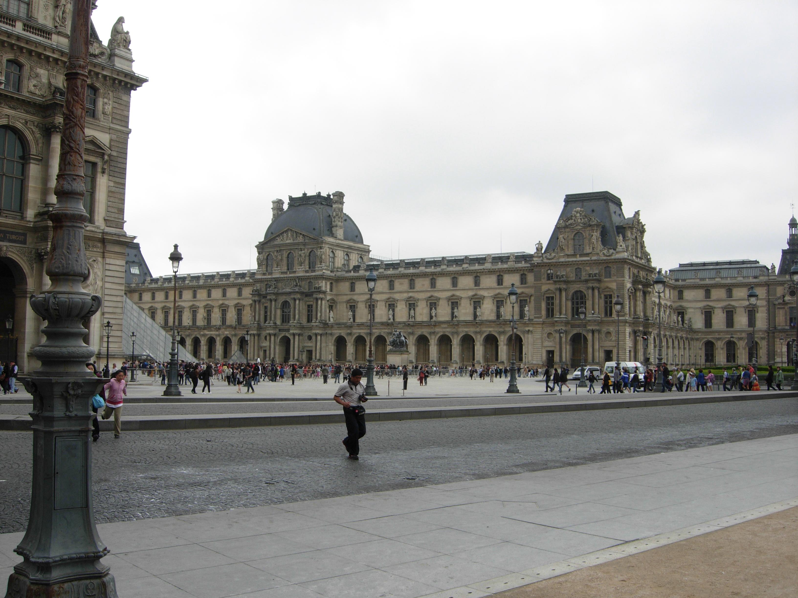 文化巴黎的魅力——卢浮宫、凯旋门……_图1-2