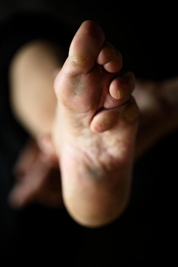 中国女性血泪史---大山深处最后的小脚母亲们_图1-4