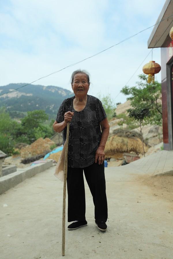 中国女性血泪史---大山深处最后的小脚母亲们_图1-7
