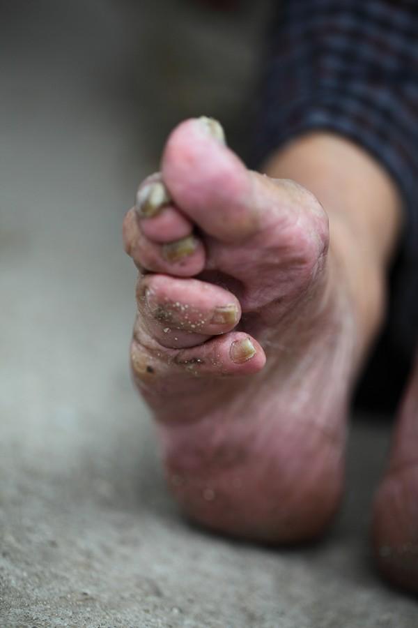 中国女性血泪史---大山深处最后的小脚母亲们_图1-10