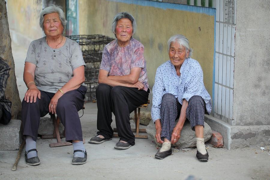 中国女性血泪史---大山深处最后的小脚母亲们_图1-11