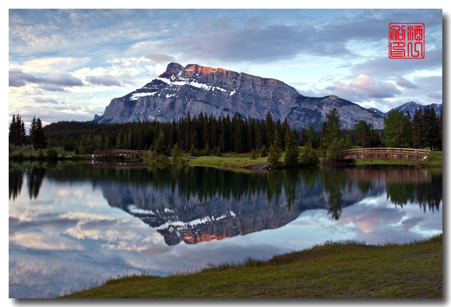 《原创摄影》:湖光山色落基行 - Banff 城边的湖_图3-1