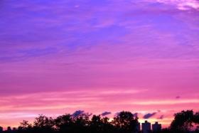 雨后紫色黄昏