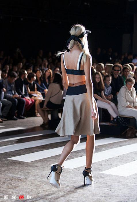 [阳光色影]风情万种的DKNY超模_图1-16