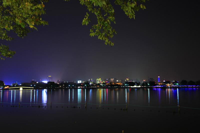 西湖秋夜_图1-13