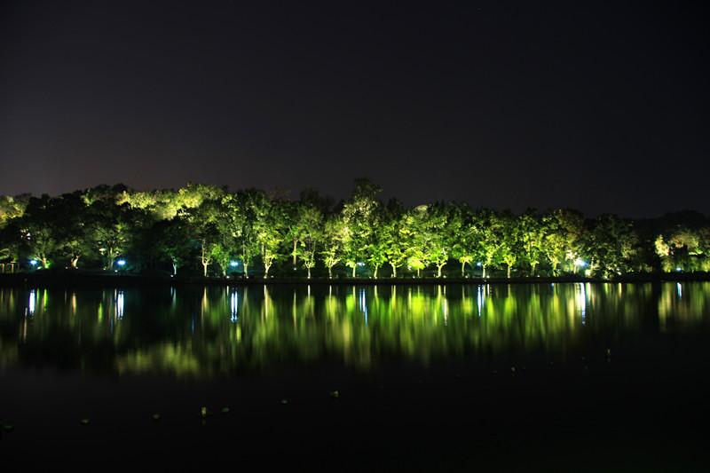 西湖秋夜_图1-6