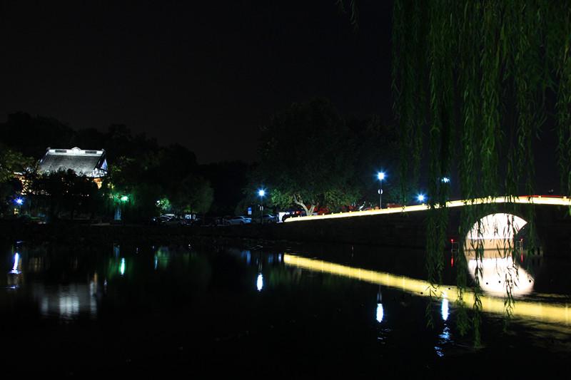 西湖秋夜_图1-2