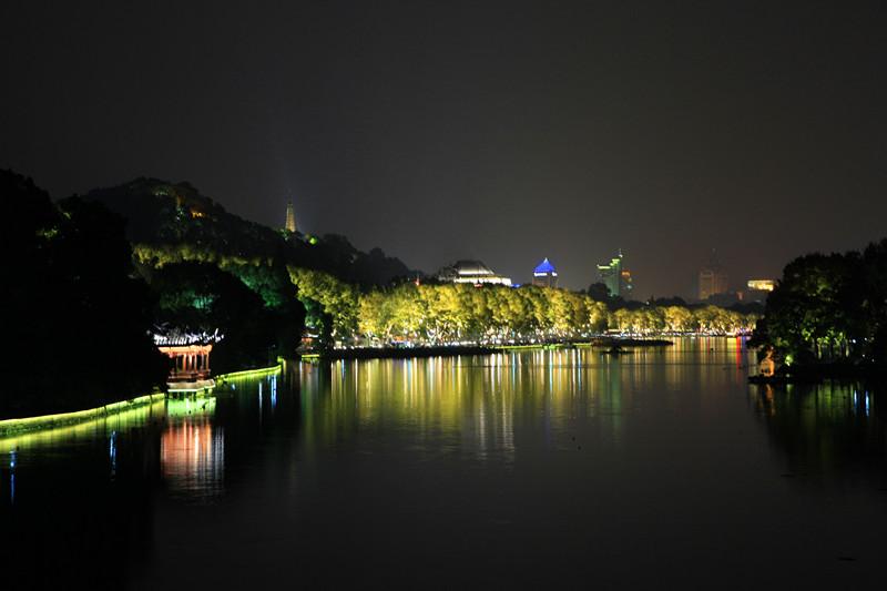 西湖秋夜_图1-1