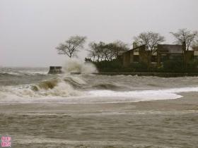 飓风Sandy到家门口海边了!