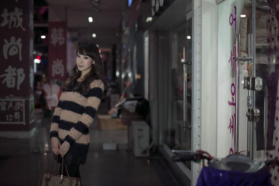 一个人的夜---临沂女孩张夏街拍_图1-7