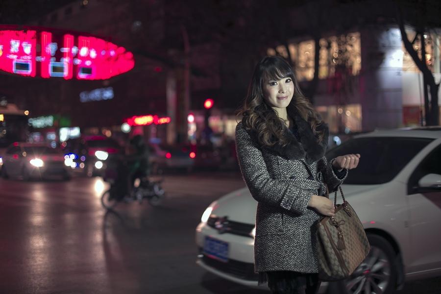 一个人的夜---临沂女孩张夏街拍_图1-9
