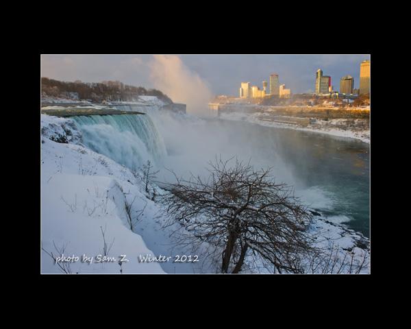 Colorfull Niagara Falls_图1-2
