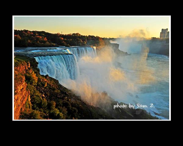 Colorfull Niagara Falls_图1-3