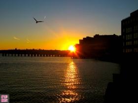 巴尔的摩老区港湾的浪漫之夜!