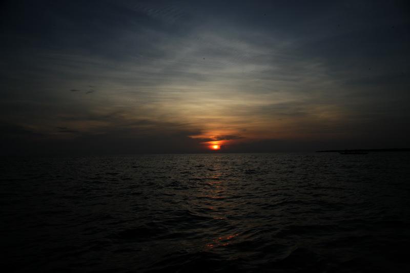 洞里萨湖观日落_图1-8