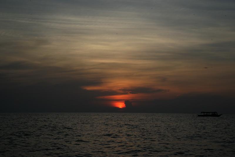 洞里萨湖观日落_图1-9
