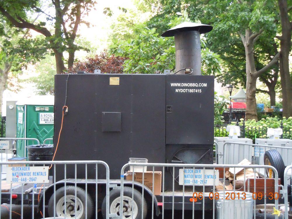 曼哈頓一年一度燒烤大會_图2-39