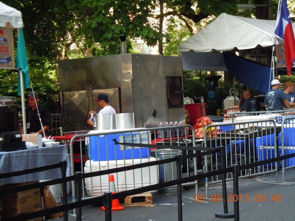 曼哈頓一年一度燒烤大會_图2-50