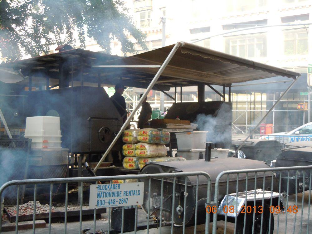 曼哈頓一年一度燒烤大會_图2-5