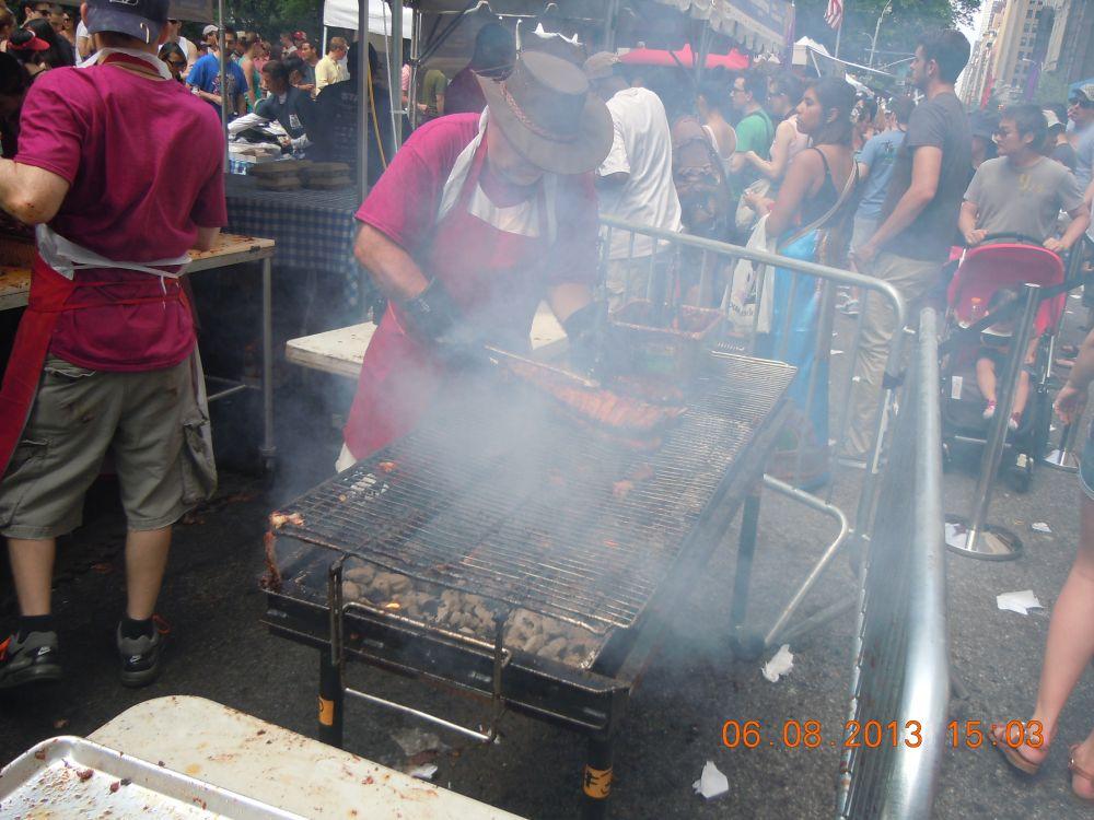 曼哈頓一年一度燒烤大會_图2-2