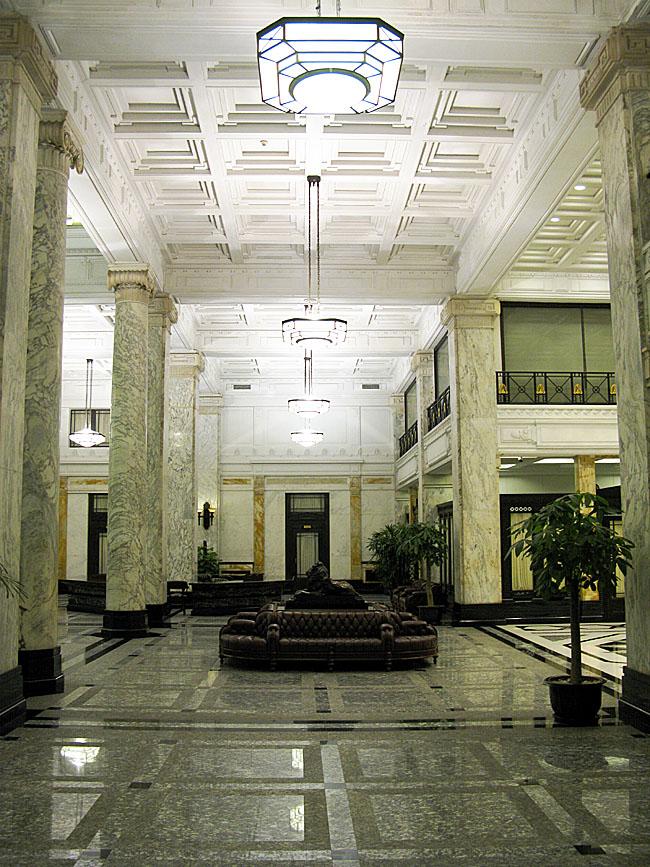 历经90年风雨,上海汇丰银行大楼华贵依旧_图1-9