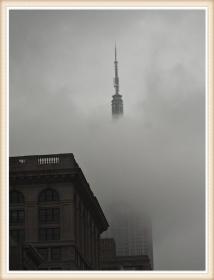 【star8拍攝】雲雾中的纽约帝國大厦顶