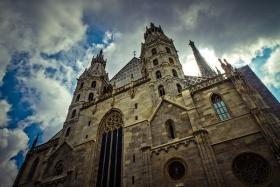 """【自由鸟】花了四个世纪修建的维也纳""""圣·"""