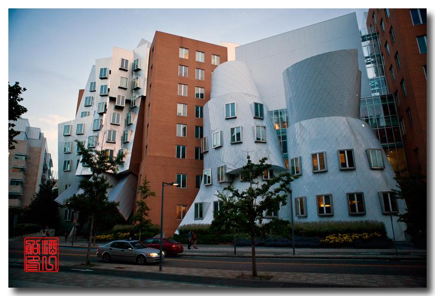 《酒一船原创摄影》:色彩空间入梦流 - MIT 的32号楼_图1-4
