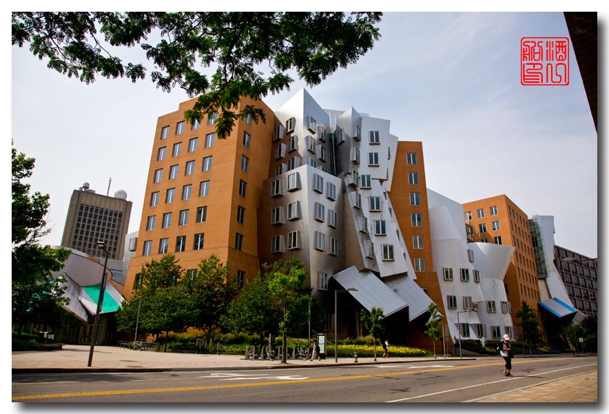 《酒一船原创摄影》:色彩空间入梦流 - MIT 的32号楼_图1-5