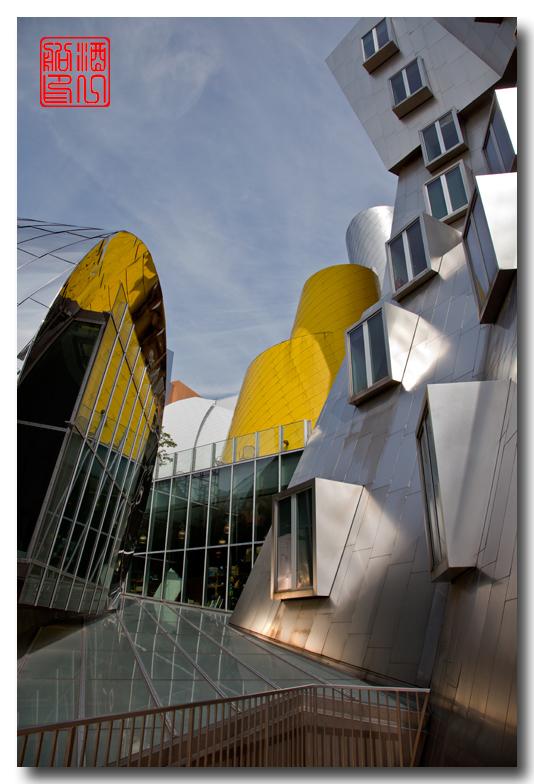 《酒一船原创摄影》:色彩空间入梦流 - MIT 的32号楼_图1-6