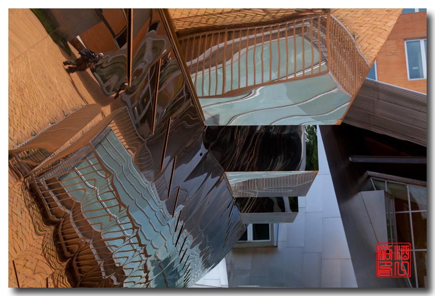 《酒一船原创摄影》:色彩空间入梦流 - MIT 的32号楼_图1-1