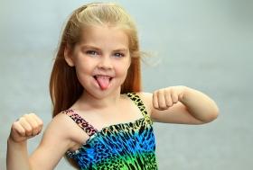 一组《美少女超级小模特》