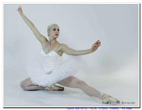 芭蕾舞者的优美舞姿 之二