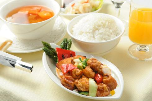 空中吃货:盘点各国航空公司飞机餐_图1-21